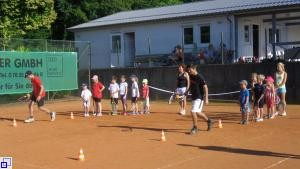 Tennis-Schnuppertraining Kinderferienprogramm